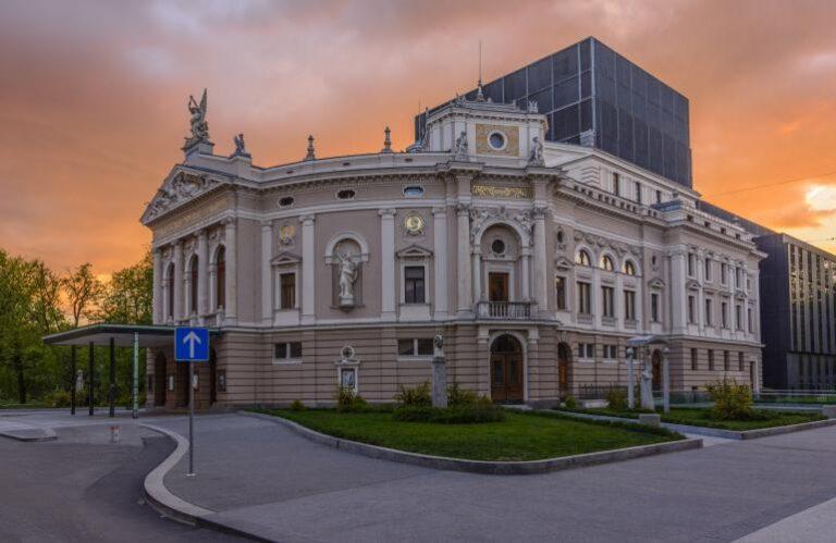 19. Opera ( Janez Zalaznik )