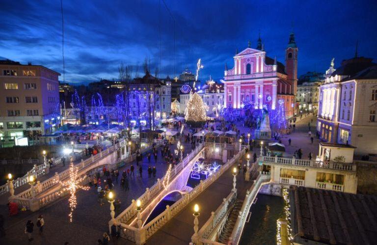 24. Praznično okrašena Ljubljana ( Dunja Wedam )